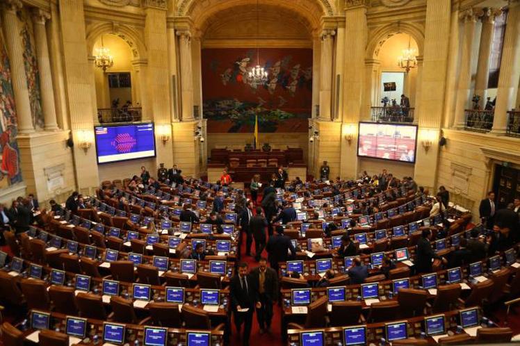 Senado de Colombia debatirá cuestionado proyecto de ley