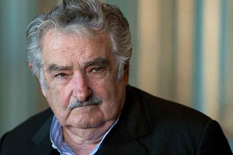 Expresidente uruguayo llama a peruanos a iniciar camino de esperanza