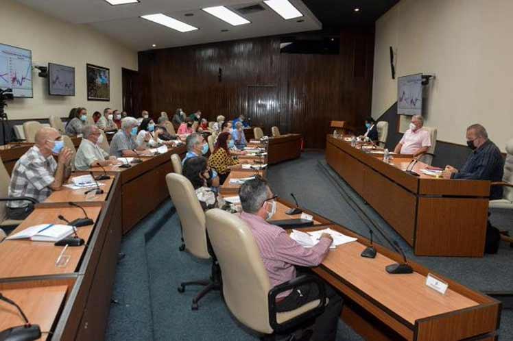 Presidente de Cuba insiste en fortalecer protocolos frente a Covid-19
