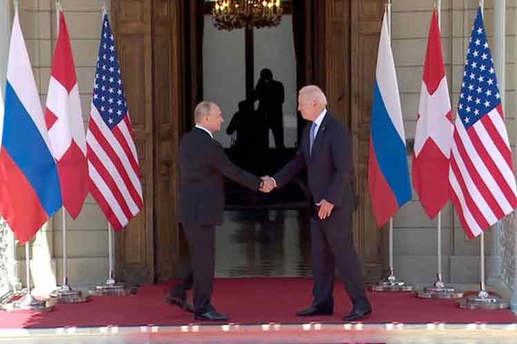 Kremlin consideró positiva la cumbre presidencial Rusia-EEUU
