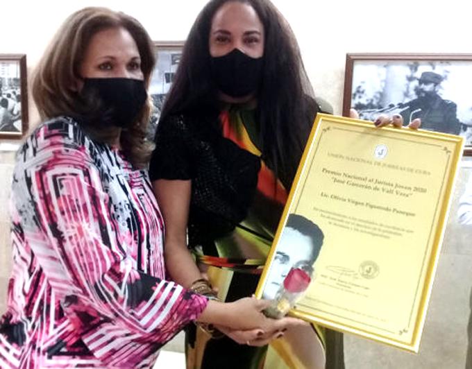 Participan     juristas    de   Granma   en  enfrentamiento   a   la Covid-19