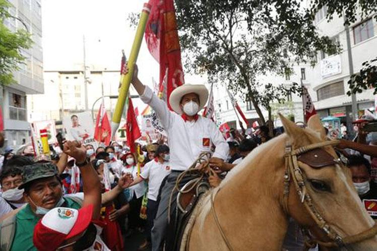 Perú: Conteo confirma victoria de Castillo, pendientes impugnaciones (+Foto)
