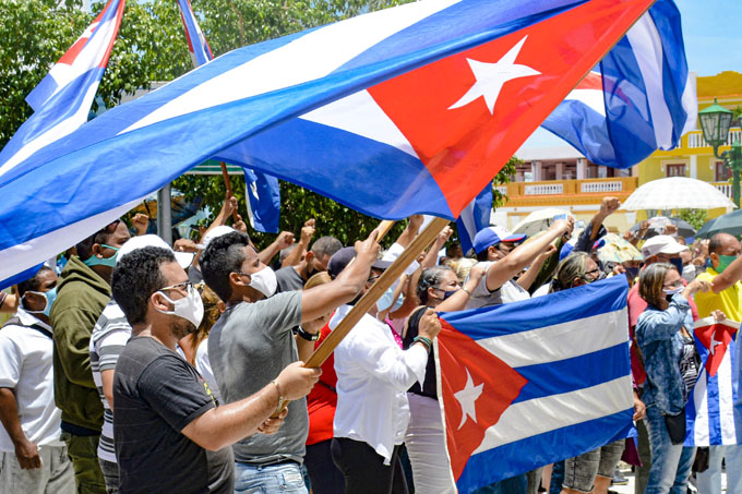 Editorial: La calle, los revolucionarios y el verdadero cambio