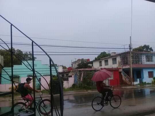 Llueve en Bayamo ante proximidad de Elsa