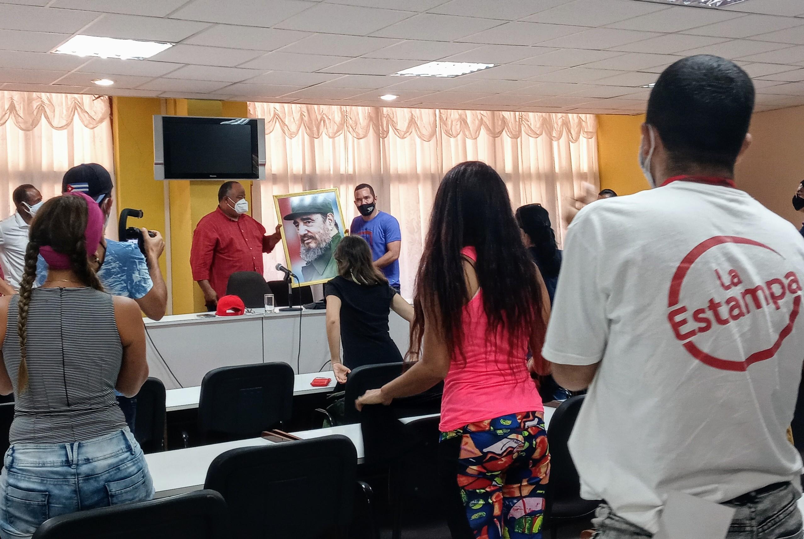 Federico Hernández Hernández recibe delegación de la AHS
