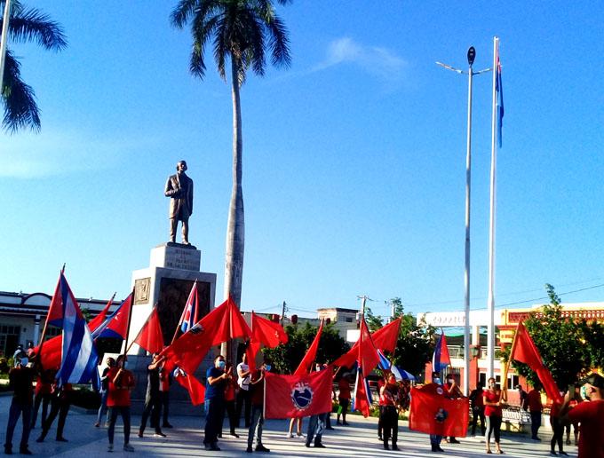 A 27 años del Maleconazo, jóvenes bayameses ratifican respaldo a la Revolución  (+fotos y videos)