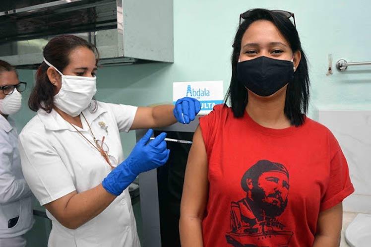 Cuba garantiza la inmunización de todo el pueblo