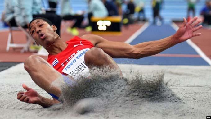 Tentoglou impide el un-dos a saltadores cubanos en Tokio 2020