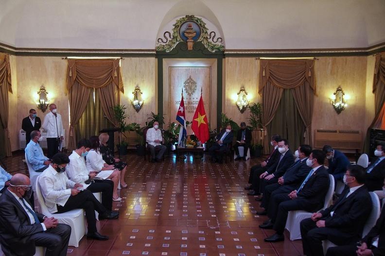 Presentan a presidente de Vietnam oportunidades de negocios en el Mariel