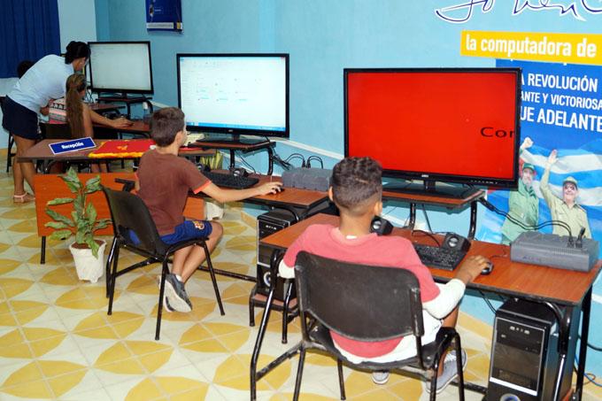 Reafirma Joven Club de Computación compromiso con la informatización de la sociedad