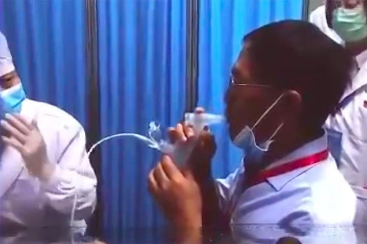 China podría utilizar vacuna nasal en refuerzo contra Covid-19