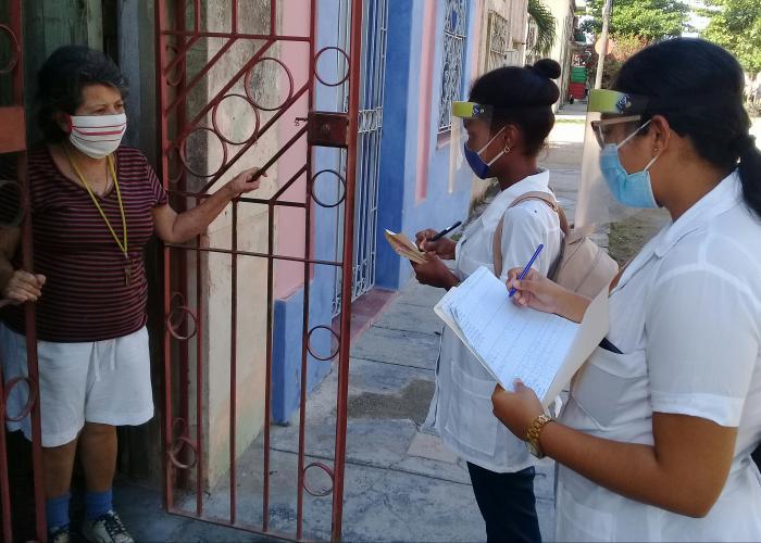 Reconocen protagonismo de estudiantes de Ciencias Médicas en lucha epidémica