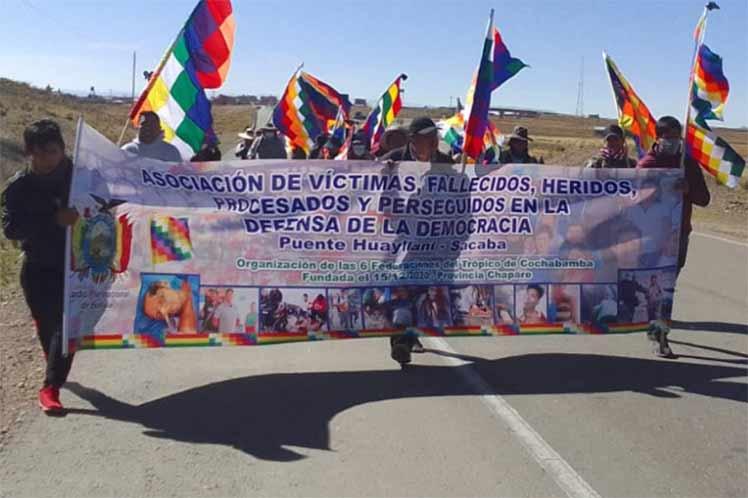 Familiares de víctimas de masacres marchan en Bolivia
