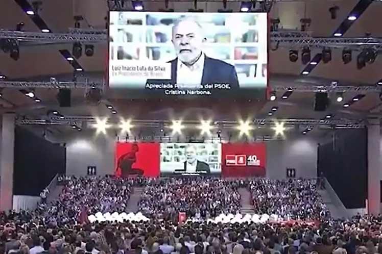 Lula llamó en congreso del PSOE a reforzar lazos entre progresistas