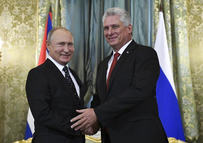 Felicita Díaz-Canel a Vladímir Putin en su cumpleaños 69